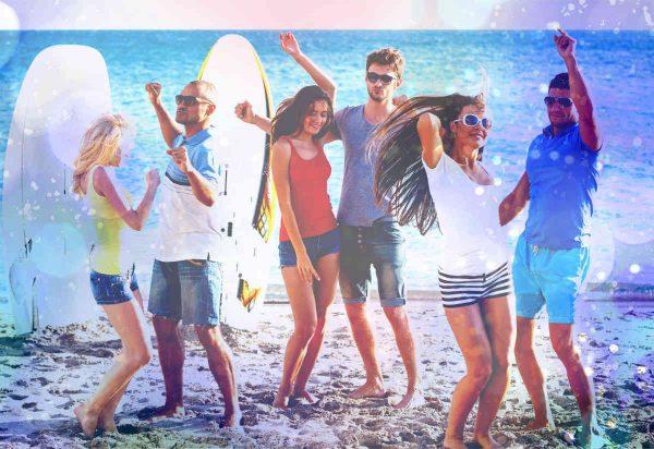 ples sa prijateljima na plazi