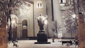 Kip Svetog Save, ispred hrama Svetog Save na Vračaru